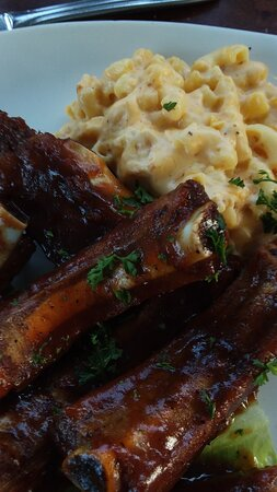 Fortuna, Californie : Ribs with mac n cheese