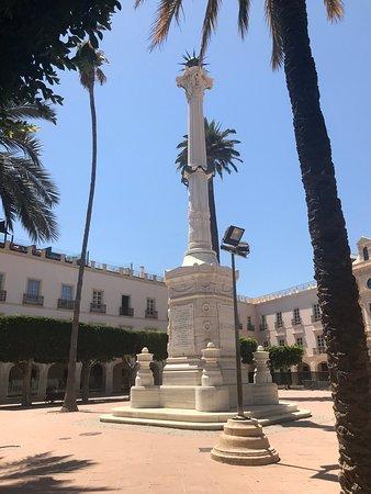 Monumento A Los Mártires De La Libertad Almería Atualizado 2021 O Que Saber Antes De Ir Sobre O Que As Pessoas Estão Falando Tripadvisor