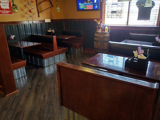 Barronett, WI: Booth seating.