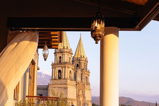 Talpa de Allende, México: Vista a la Basílica de la Virgen del Rosario de Talpa