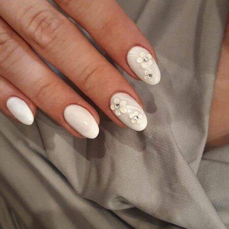 Mitropoleos nails & beauty