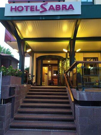 L'ingresso Hotel Sabra...