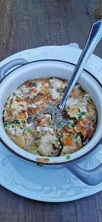 Restaurant St Adolari: Breznsuppe! Sehr deftige Suppe mit Breze und Käse. Sehr gut!