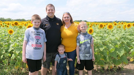 Made a visit to Russell Sunflower Patch in Richmond, MO