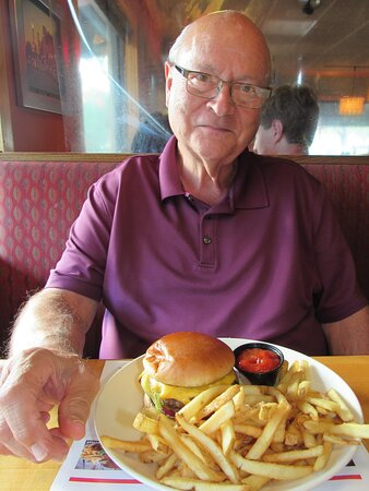 Tom's cheeseburger & fries.