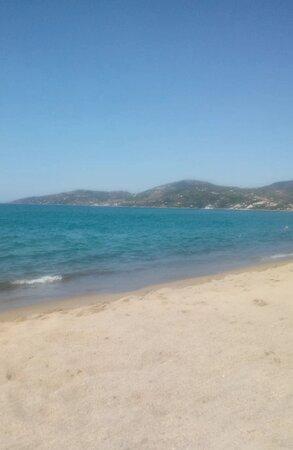 Casal Velino, Itália: Bellissimo panorama, sabbia fine, mare stupendo. Relax totale .... 🌊🏖⚓🐚💙 (9 ago 2020)