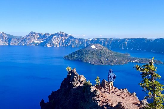 Crater Lake from Portland Round-trip Bus Tickets
