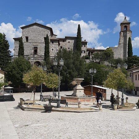 La piazza di Greccio