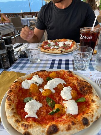Pizza vista lago