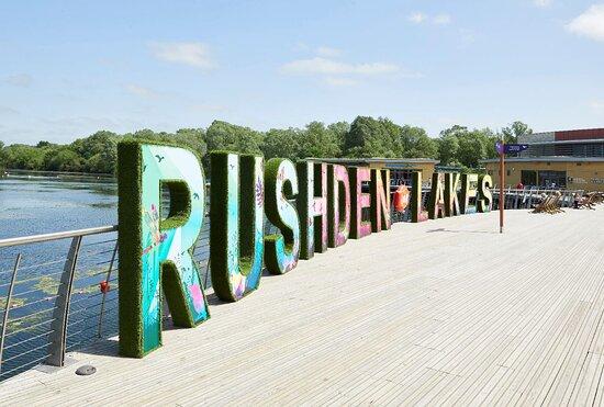 Rushden Lakes Shopping Centre