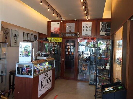 Kuros Smoke Lounge