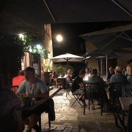 Bel endroit, Bon repas... un bon moment en soirée