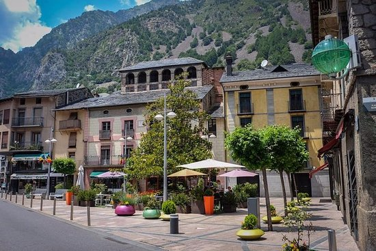 Private Andorra Tour: Sightseeing...