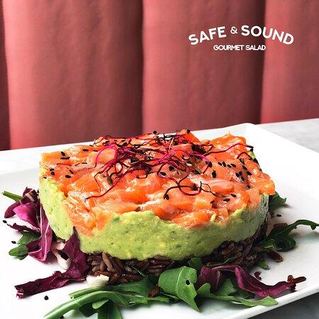 Ricetta Guacamole E Salmone.Tartare Di Salmone Con Guacamole E Riso Rosso Picture Of Safe Sound Cesena Tripadvisor
