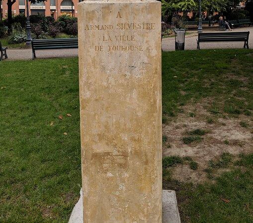 Monument À Armand Silvestre