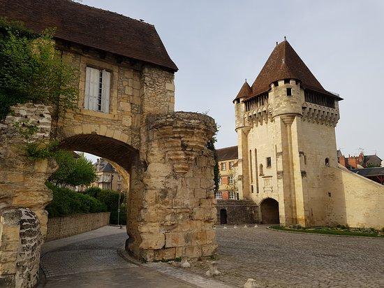Avant Porte du Croux