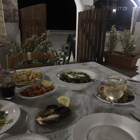 Soroni, กรีซ: - Dinner - Seafood - Wine -