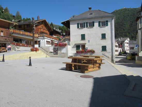 Place De La Marmotte