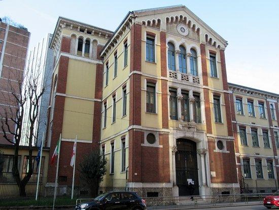Palazzo Delle Scuole Di Via Galvani