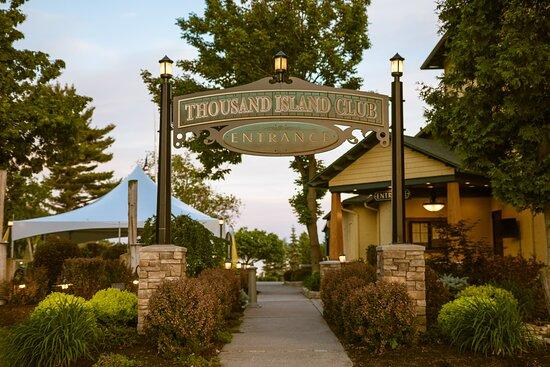 Wellesley Island, NY: roadside entrance