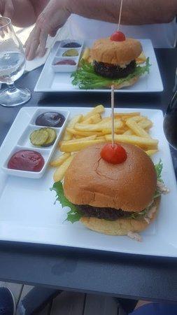 Asgardstrand, Norveška: Hamburger