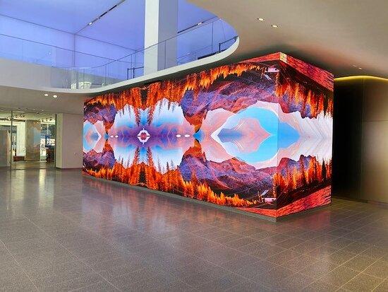 AT&T Lobby & Showcase