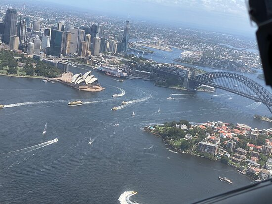 Gourmet Lunch at Jonah's by Seaplane from Sydney: Flight