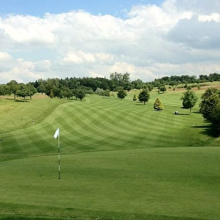 Ware, UK: Whitehill Golf Course has undulating well groomed fairways and greens with well placed ponds, bunkers and trees. At 6802 yards the Par 72 course provides a stern test for the low handicapper and an enjoyable game for the higher handicapper. Firm greens and well draining fairways provide golf 364 days a year, where the challenge changes with the seasons.