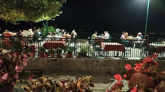 Moschato, Grécia: Σέρτικο