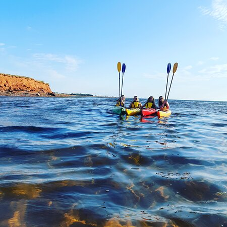 Malpeque, Canadá: Clear waters and smiling faces makes for a great day of paddling