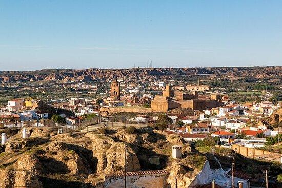 Grottes de Guadix Tropolis, château de Calahorra et désert de Tabernas