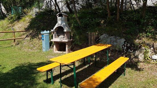 Drena, Italia: ZONA BARBECUE