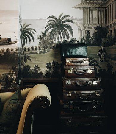The Parlour decor at Great Scotland Yard