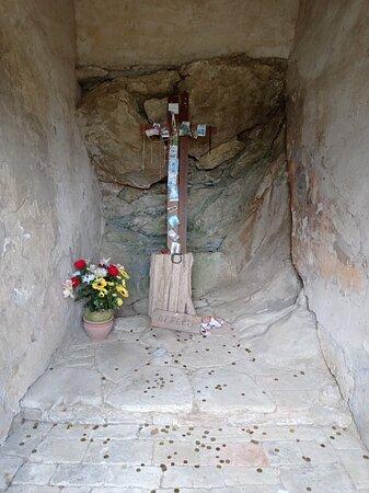 Isola Maggiore, Itália: Cappella del giaciglio di pietra di San Francesco.