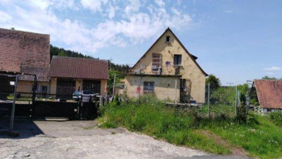 Emskirchen, Duitsland: Das schreiende Haus vom Altschauerberg