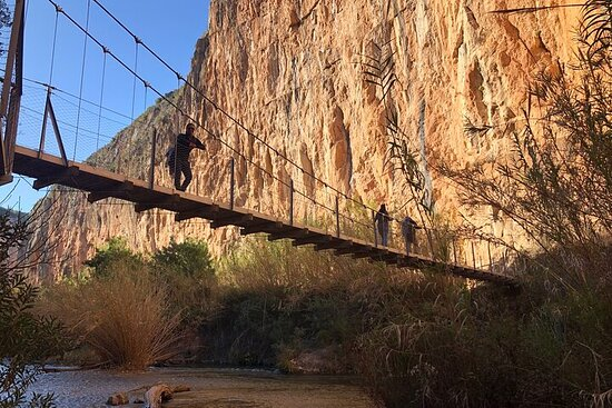 Walking the famous hanging bridges of Chulila