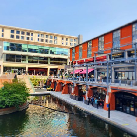 Hotel is situated canalside, surrounded by vibrant restaurants and bars.