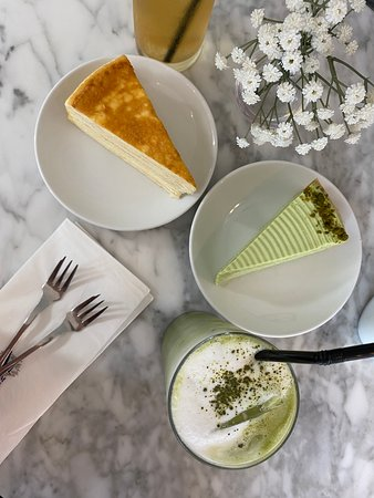 2 cakes + 2 drinks set ($33 before GST, Service)