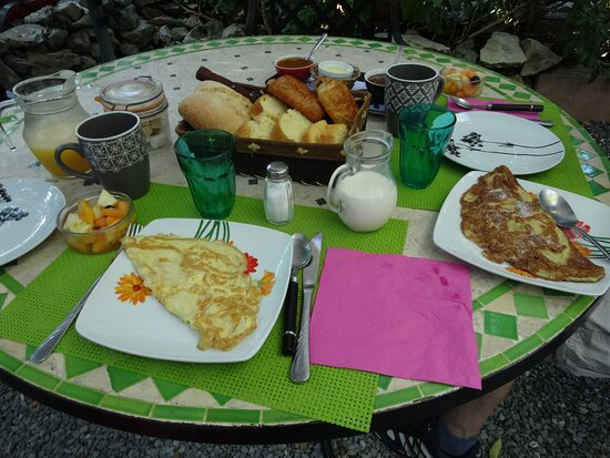 Durfort-et-Saint-Martin-de-Sossenac, France : Petit-déjeuner