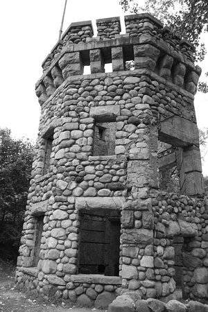 The castle ruins in black and white. Cool!!!