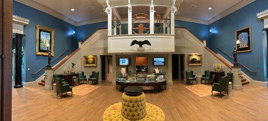 Darrow, LA: main lobby