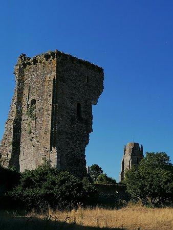 Regneville-sur-Mer, Francie: La tour