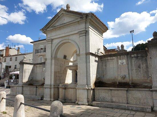 Fontana di Piazza della Vittoria
