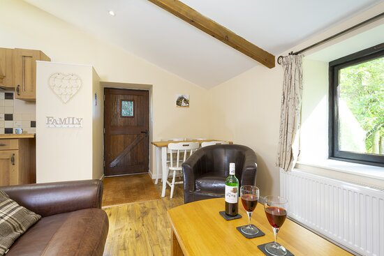 Cookbury, UK: The lounge & dining area in Buttermilk cottage