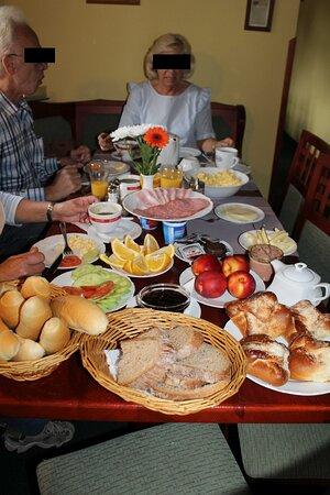 Bozi Dar, Τσεχική Δημοκρατία: Frühstück