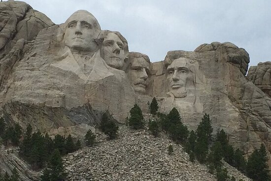 Bus Tour of Mount Rushmore and the Black Hills