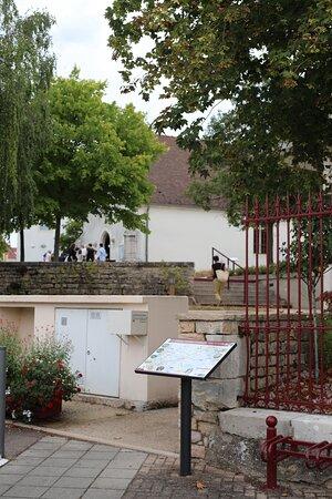 Saone-et-Loire, Frankrijk: Vue extérieure de cette église