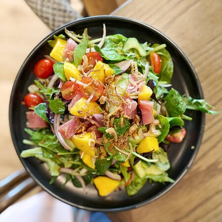Tuna Sashimi & Mango Salad