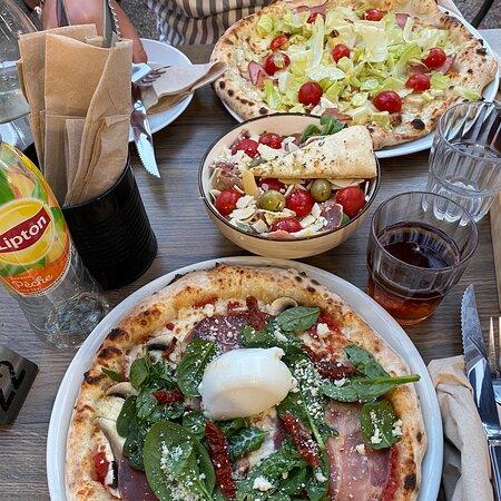 Pizza très goûteuse et produits