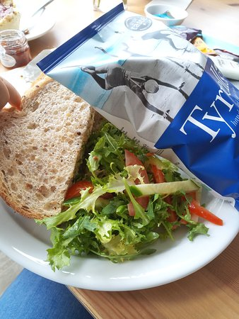 Great sandwiches with salad and crisps